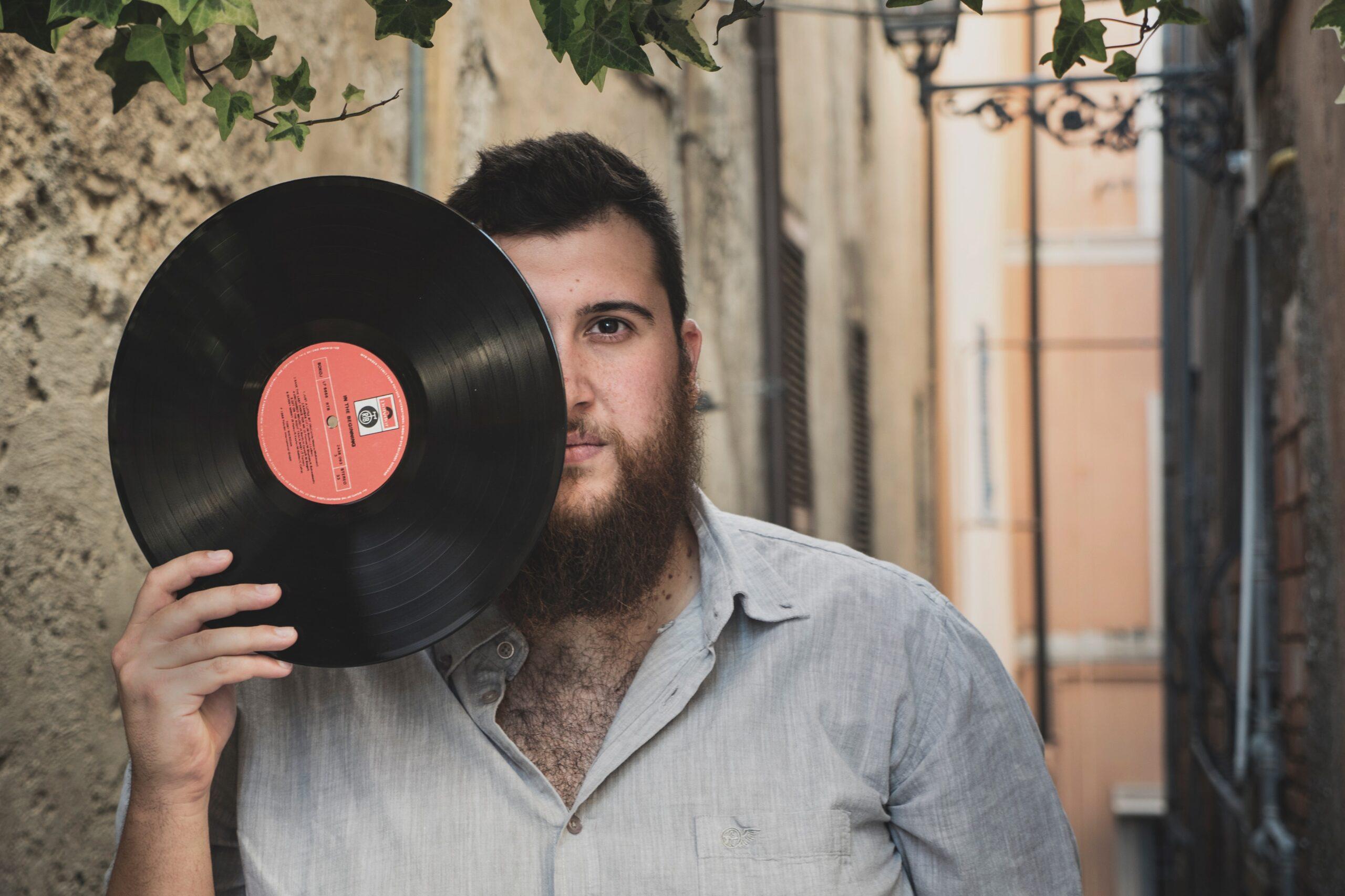 Il ritorno di Fabio Mancini con un EP in italiano. L'intervista su MIE.