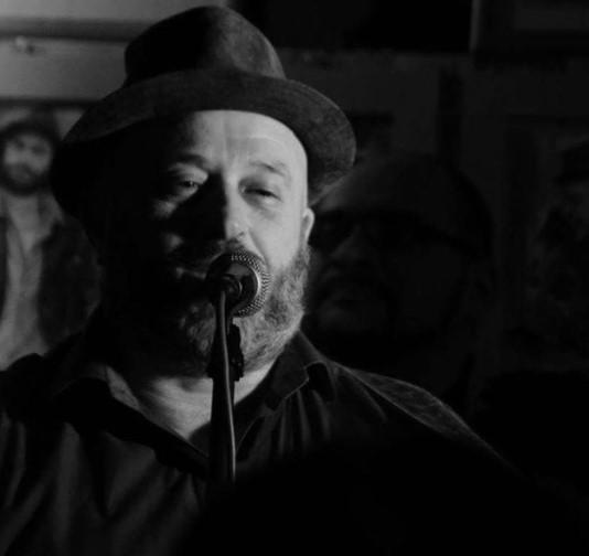 """Geddo racconta i """"Fratelli"""" del nuovo album. L'intervista su MIE al cantautore ligure."""