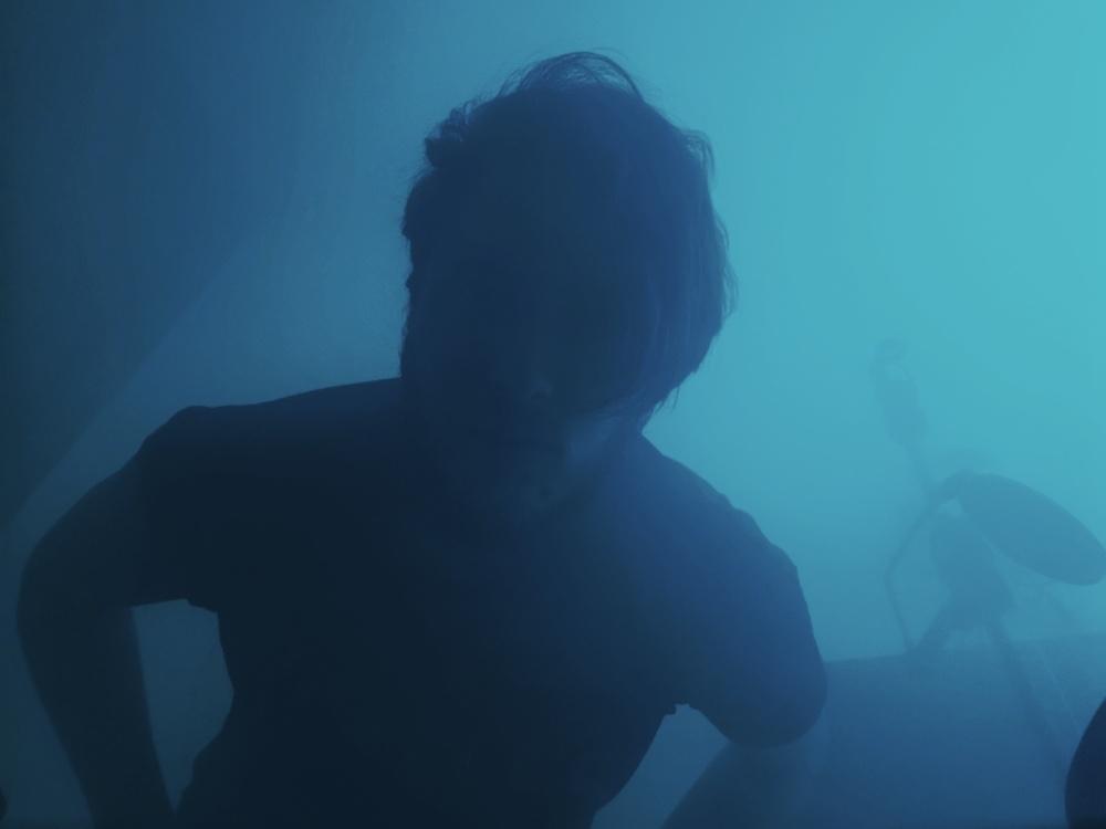 Itaca Reveski racconta il nuovo singolo Noovola. L'intervista su MIE.