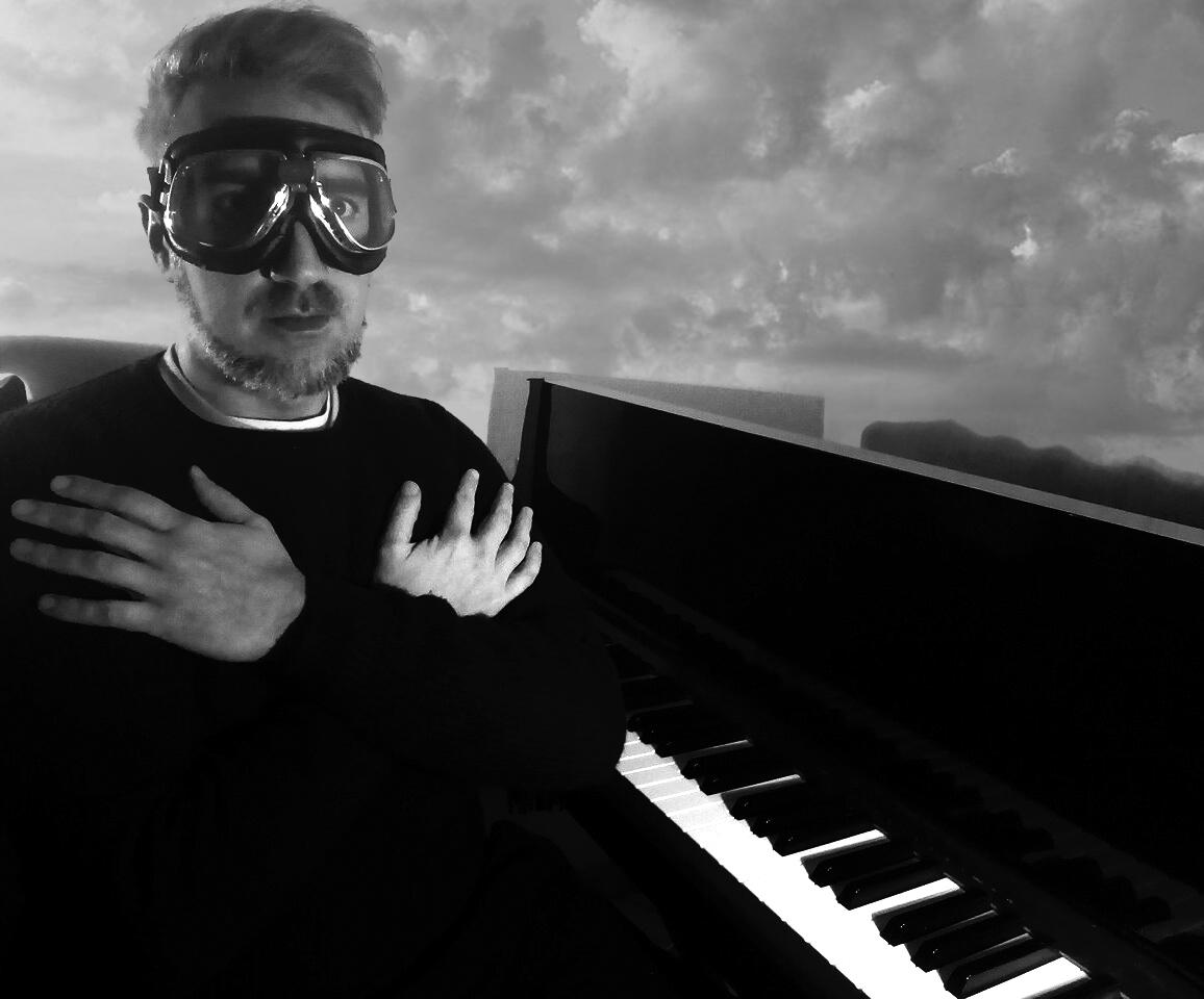 Amleto e Giulietta è il suo nuovo singolo. L'intervista a Frankspara.